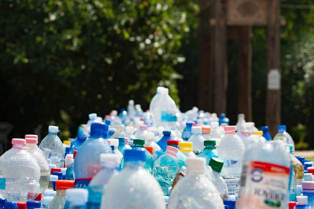 bouteilles en plastique recyclées pour le rPET